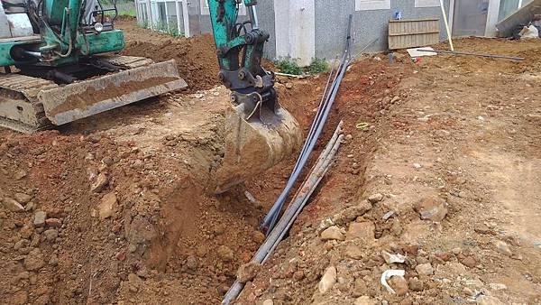 1030805桃園新屋3號咖啡館-植草磚綠化工程-施工中4.jpg