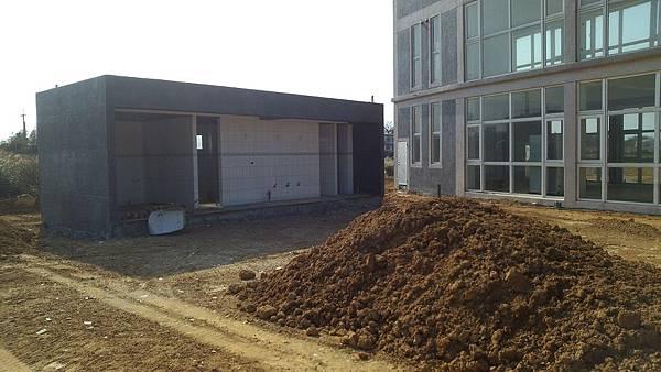 1030805桃園新屋3號咖啡館-植草磚綠化工程-施工前.jpg