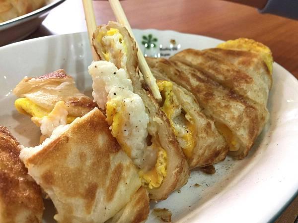 2個蛋早餐‧假日限定雙芋夾心蛋餅、超威薯泥起司酥脆蛋餅~想吃各種爆餡大份量必須帶著耐心!!!!-雪花新聞