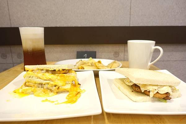 豆司苑‧流滿吐司全身的不受控起司肉蛋,中永和早午餐又多了一個新選擇啦!!!-雪花新聞