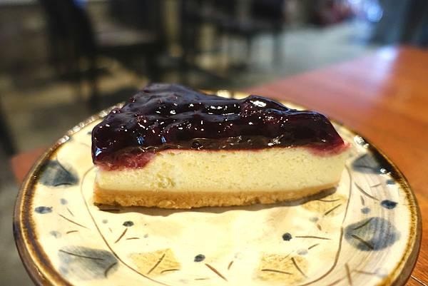 Cheela 小屋‧甜點控在台東的救星~平價不失美味的藍莓起士蛋糕和栗子蒙布朗都好吃!!!!-雪花新聞