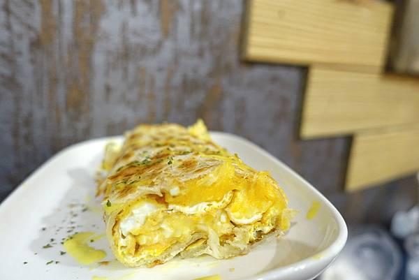 日初 Moni Cafe‧300%起司大軍強勢過境!!!每份早餐都能見到起司身影,各種牽絲乳酪沒完沒了~-雪花新聞