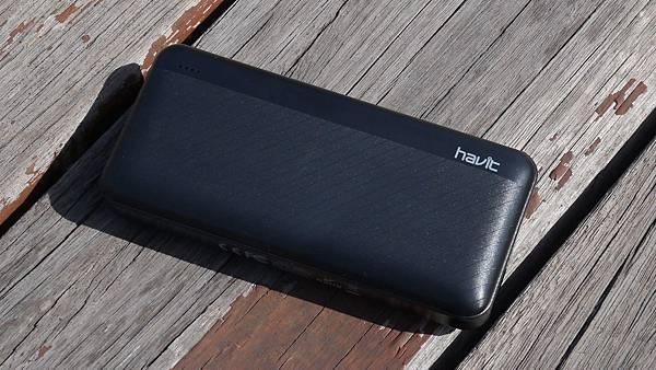 隨時隨充挺輕巧,讓你出門不用擔心電力問題【Havit 海威特】雙USB輸出行動電源H584 - 1