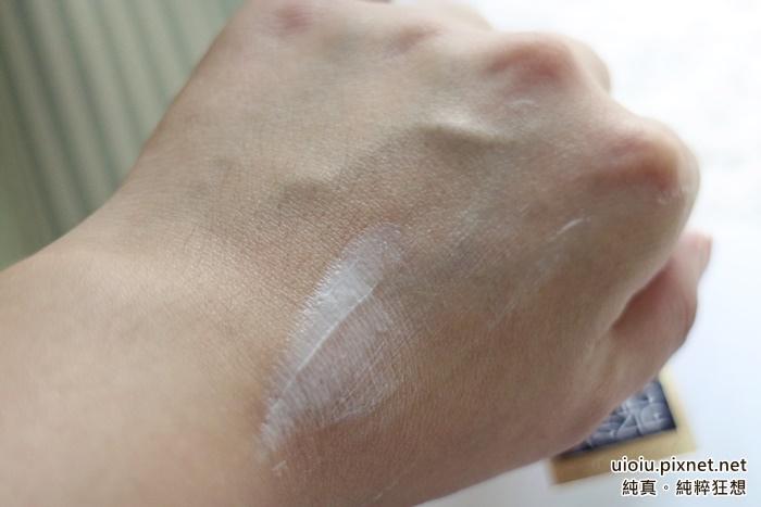 ERNO LASZLO奧倫納素 PH平衡水柔緊緻霜(豆腐霜)011.JPG