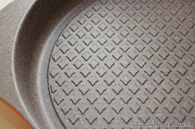 固鋼 瑞士MONCROSS百年紀念鈦晶鍋組018.JPG