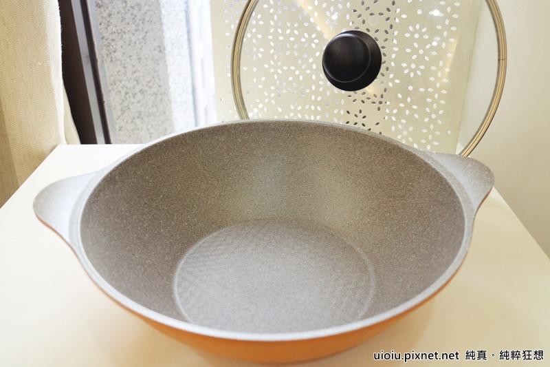 固鋼 瑞士MONCROSS百年紀念鈦晶鍋組019.JPG