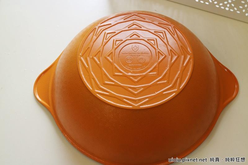 固鋼 瑞士MONCROSS百年紀念鈦晶鍋組020.JPG