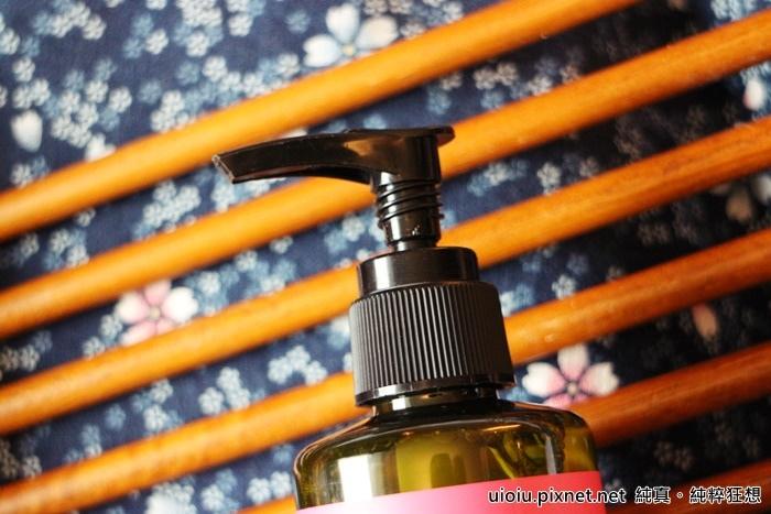 法蘭西娜 玫瑰保濕嫩白化妝水 肌賦活熟嫩保濕面膜008.JPG