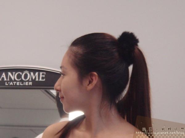2011蘭蔻瞬白奇蹟持久嫩粉餅15.JPG