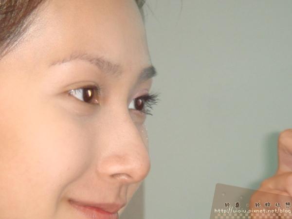 2011蘭蔻瞬白奇蹟持久嫩粉餅20.JPG
