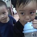 兩位小朋友