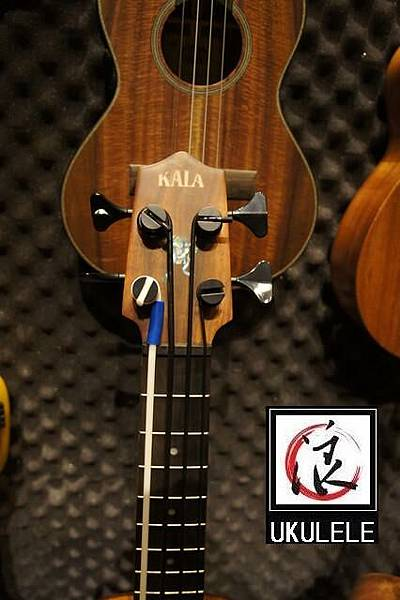 阿浪老師烏克麗麗美國品牌KALA-烏克BASS-KOA款.jpg