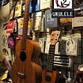 阿浪老師烏克麗麗ukulele專賣店-30吋與14吋大小比較.jpg