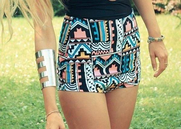 dh8i2v-l-610x610-shorts-high-waisted-short-pattern-funky-frantic-jewelry-jewelry-pink-blue-orange-hipster
