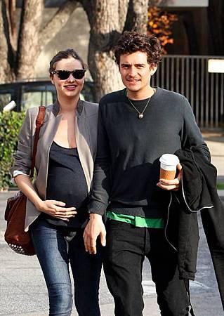 Pregnant_Miranda_Kerr_Orlando_Bloom