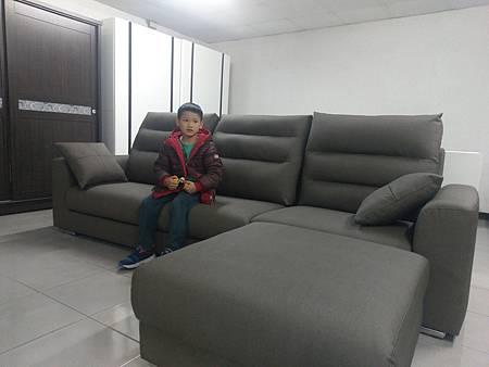 full view james sofa.jpg