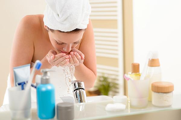 (頭條-上午輪播)圖片:皮膚護理遵守3要點 清潔尤其馬虎不得.jpg