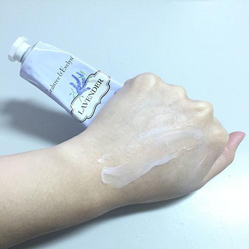 瑰珀翠薰衣草高效保濕護手霜2.jpg