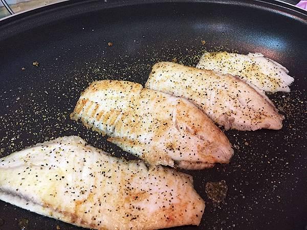 香煎鯛魚佐檸檬黑胡椒