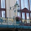 市民會館-由藝術家慕夏設計的美美陽台.JPG