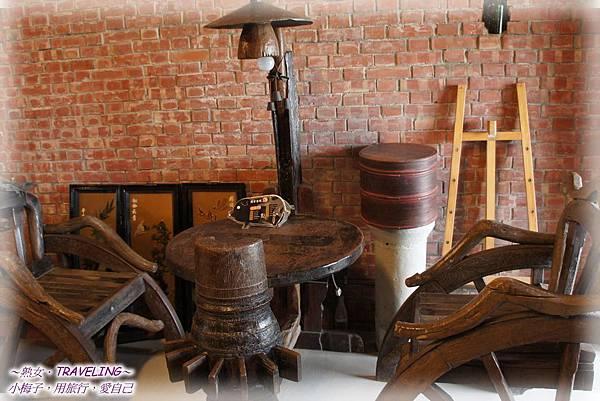頂菜園鄉土館-以舊時農具製成傢俱.jpg
