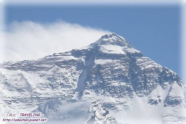 倚窗外拍-珠峰8844.43的主峰