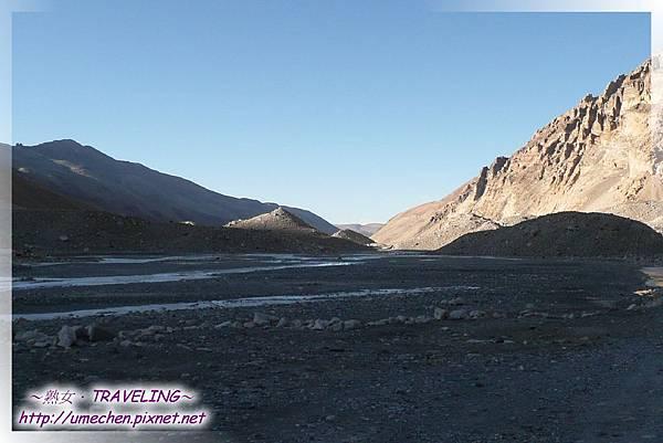 珠峰大本營-札嘎藏布(江),往絨布寺方向北望