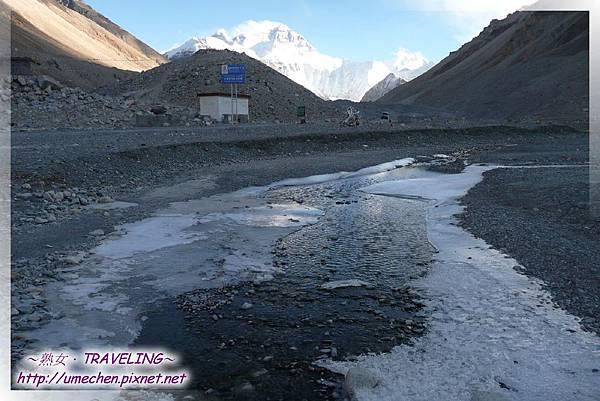 珠峰大本營-沿札嘎藏布數十公里入珠峰,過了大本營就變成絨布冰川了
