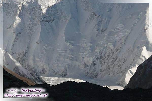 珠峰大本營-絨布冰川超近距離的奇幻