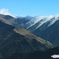 67-巴朗山路-千層派似的山峰雲海.jpg