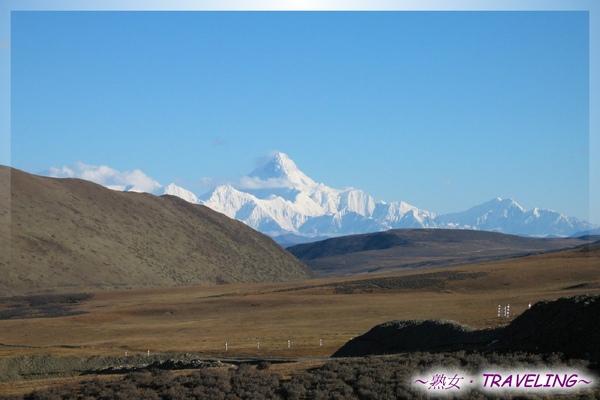 貢嘎山-7556m,蜀山之王的真面目,藏語(至高無上的聖潔之山).jpg