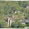 梭坡古碉群-山坡上的藏族寨子和碉樓(家碉).jpg