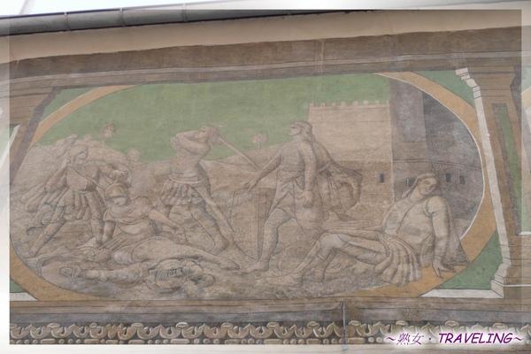 特奇-廣場-15號屋外牆以灰泥彩繪聖經故事.jpg