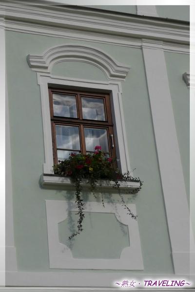 特奇-廣場-粉綠屋的窗台小花園.jpg