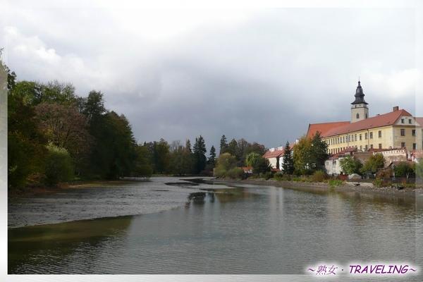 特奇-烏立茲湖-眺望TELC城堡2.jpg