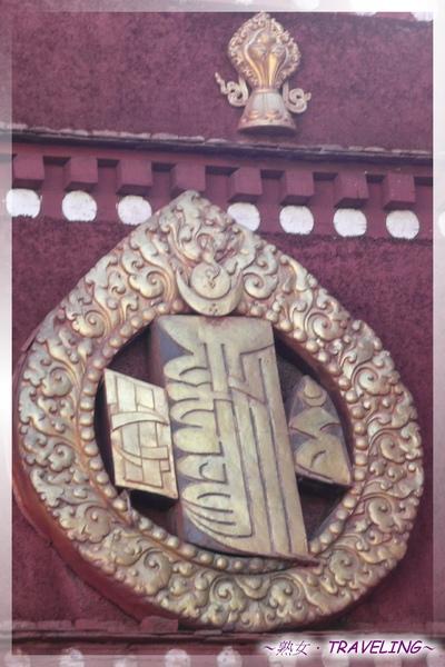 大昭寺正門-牆上的(朗久旺丹)十相圖.jpg