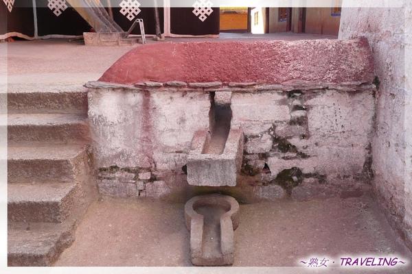 大昭寺-佛殿2樓-排水系統(2.jpg