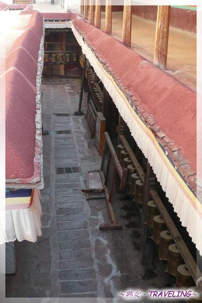 大昭寺-藏人三條轉經道,內轉經道就在大昭寺內的轉經迴廊.jpg