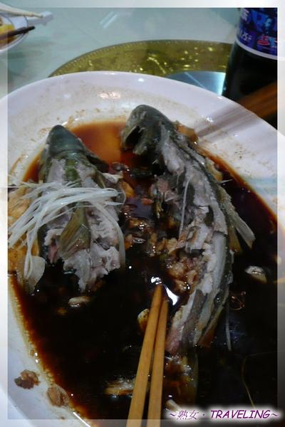 吃中飯-西藏有名的裂腹魚.jpg