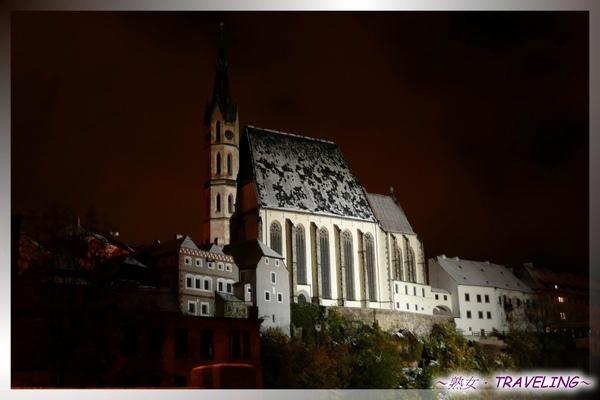 庫倫洛夫-晨間私遊-熟睡中的聖維塔教堂.jpg