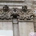 庫納霍拉-耶穌會大學-柱上的小天使浮雕.jpg