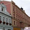 庫納霍拉-中世紀風情粉紅和粉綠的迷人建築.jpg