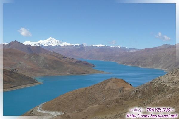 羊卓雍錯-羊湖的形狀狹長多折,像珊瑚哩.jpg