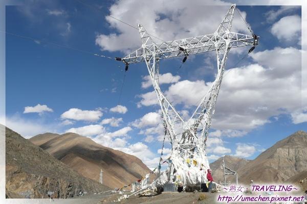 斯米拉山-在4300米山上的電欖柱.jpg