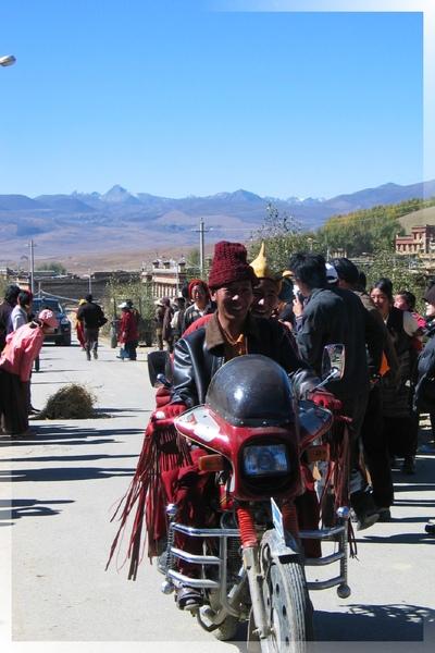 理塘-藏族婚禮-重型機車隊(2.jpg