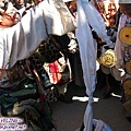 理塘-藏族婚禮-男方祈福(2)獻哈達.jpg