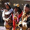 理塘-藏族婚禮-新娘進門了(2.jpg