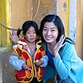 稻城-和拿佛珠的藏族小女孩.jpg