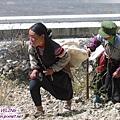 遇見採石婦人-咚咚咚爬上坡.jpg
