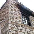 赤土鄉-藏式民居磚牆和窗.jpg